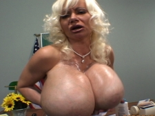 Busty Sex tool Paramours 2: Melonie Charm
